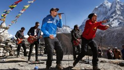 Finnish Rock Band, Sign Language Rapper Perform Near Everest