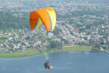 Paragliding business reaches its peak
